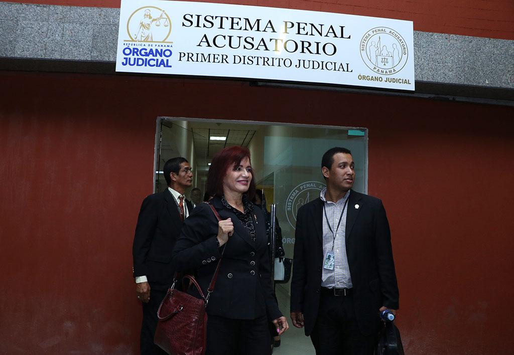 fiscal-argentina-barrera