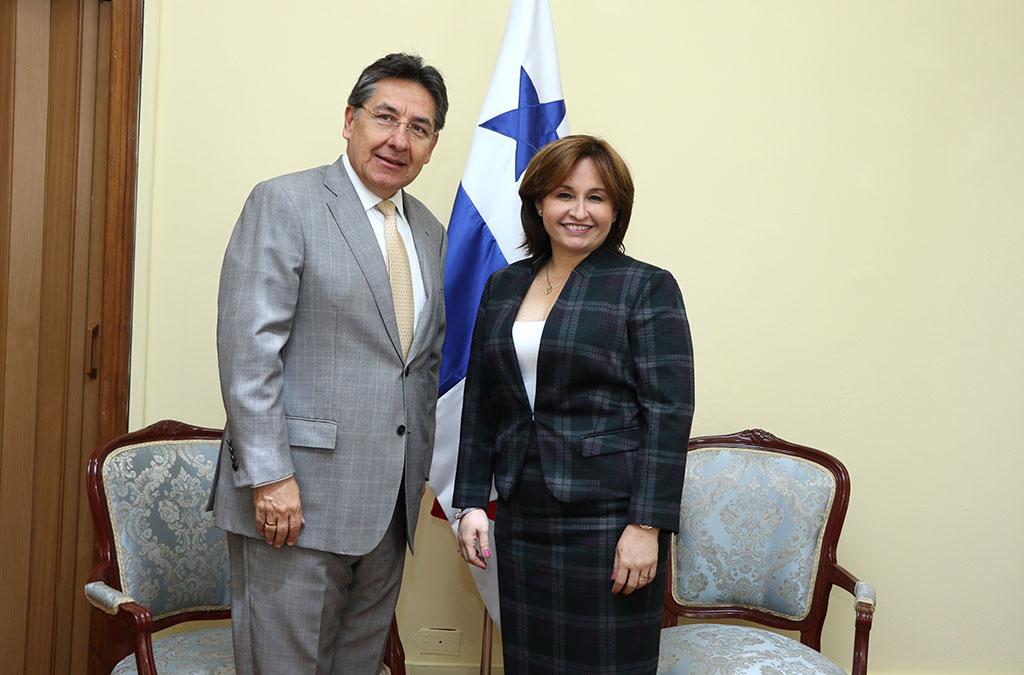 visita-fiscal-gral-colombia-1