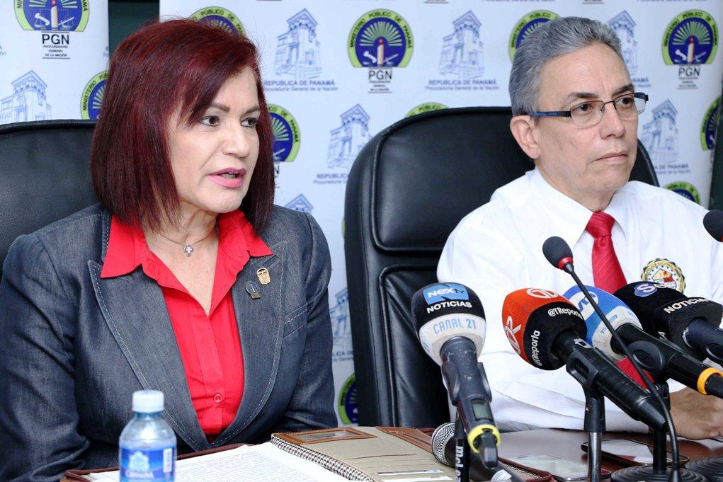 Argentina Barreira Fiscal Superior Sección Especilizada en Homicido y Femicido y Manuel Bonome, sub director de la DIJ Foto: M. Romero.